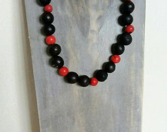 Red ethnic choloque and acai seeds necklace
