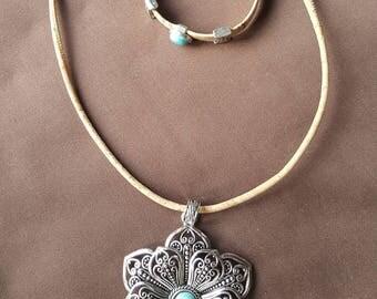 Cork turquoise stone set