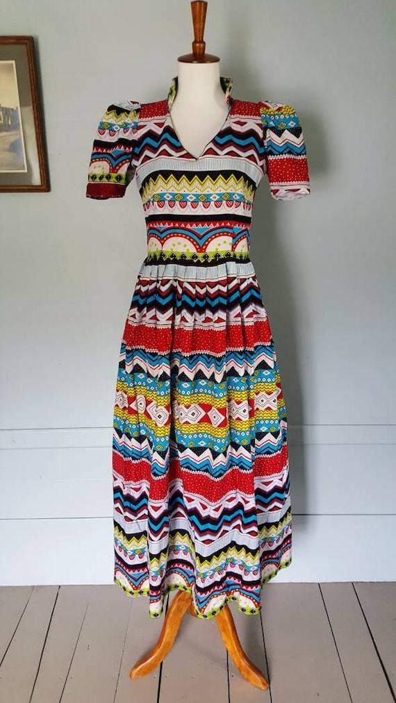 Vintage wild and bright dress. Geometric kooky print vintage dress size small