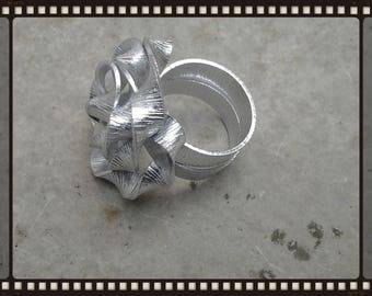Flat ribbed aluminium flower rings