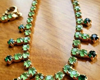 Vintage necklace Peridot green 1950's Fabulous vintage original necklace Peridot & Emerald green facetted crystal glass rhinestone necklace