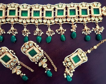 Gorgeous Indian green kundan bridal / non-bridal choker with mangtikka and earrings set with semi-precious stone beads