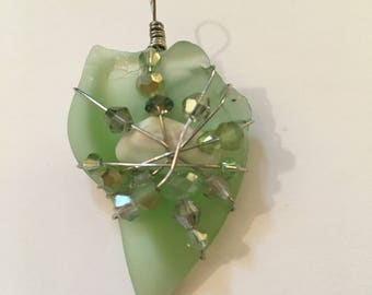 River Glass Pendant - Seafoam Green with Shell