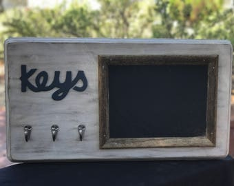 Key holder with chalkboard