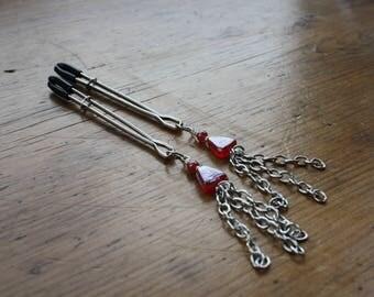 Chain tassel nipple clamps