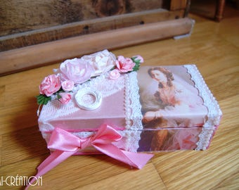 Small box / flowers and pink satin glasses case
