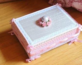 Romantic jewelry box