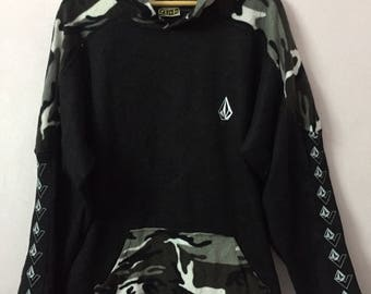 SALE ! Vintage VOLCOM sweater small logo embroidery