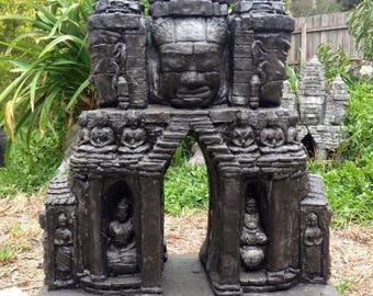 Angkor Wat Garden statue