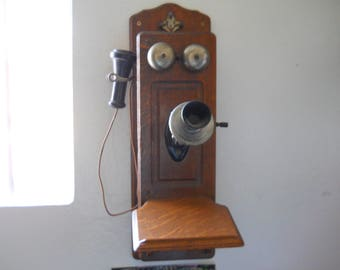 Antique Oak Box Wall  Phone,  Kellogg Co. Pat.D Nov. 26,1901 Chicago USA Elyar Ohio The Dean Electric Co. pat.July 1905