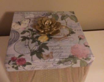 Deluxe fabric golden flower box
