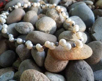 White and Gray Pearl Strand