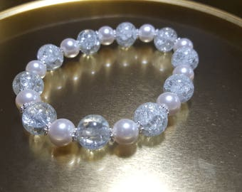 Small pearl colored beaded Bracelet