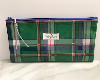 Long Oilcloth pouch / Zipper pouch / Pencil pouch / Oilcloth bag / Makeup brush pouch / Green plaid