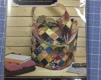 Mondo Bag Pattern by Quiltsmart, large/simple printed interfacing included *NEW*