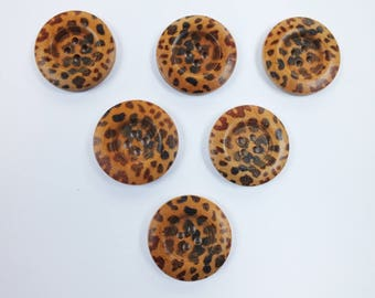 SET of 6 wood buttons: round fancy 30mm (No. 07) pattern
