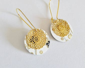 The little ' Lil papers: Japanese paper and gold sequin earrings
