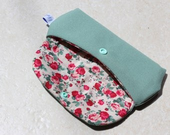 Green cotton lined with a cotton floral and padded glasses case