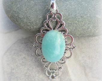 flower pendant amazonite