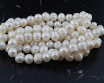 10 cultured freshwater pearls, 6 7 mm, 38 beads