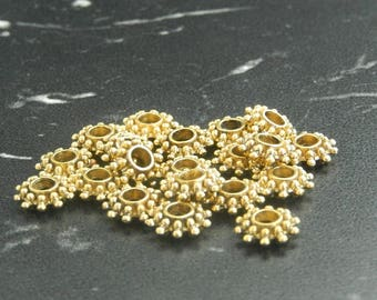 10 beads spacers gilded flowers
