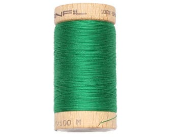 Thread to sew. Green Emerald. Organic cotton