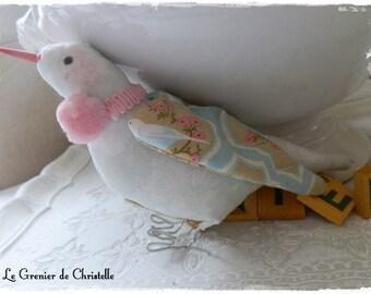 Oiseau en tissu et pompons roses Tilda pour le printemps