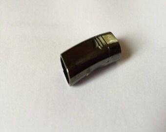 Rectangular magnetic clasp