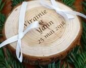 Gravure sur rondin / Coussin pour alliances personnalisé / porte-alliances / coussin de mariage le rondin de bois theme champetre, la nature