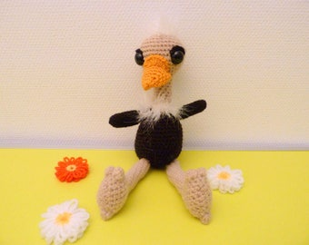 Adorable ostrich with his beautiful long feathers amigurumi (handmade)