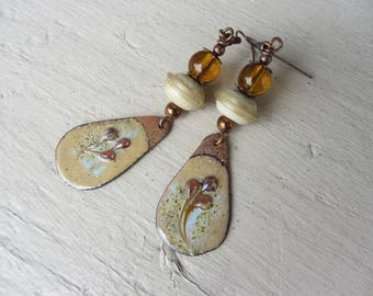 """Nature"" dangle drop copper earrings enameled and off white Lampwork Glass Brown amber, beige"
