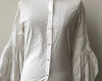 White Vintage Blouse / Victorian Blouse / White Lace Top / 1970s Vintage