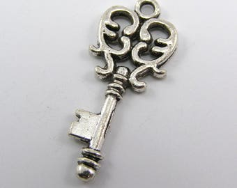 Set of 2 32 mm silver key charms