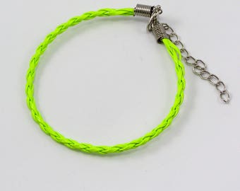 Set of 2 bracelets leather 200 x 3mm neon yellow.