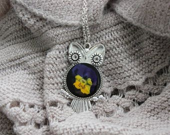 Necklace + pendant OWL resin and dried pansy flower