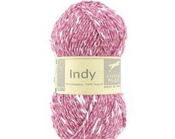 wire INDY knitting cherry color No. 031 white horse