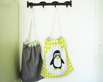 Yellow and gray pattern laundry bag Penguin