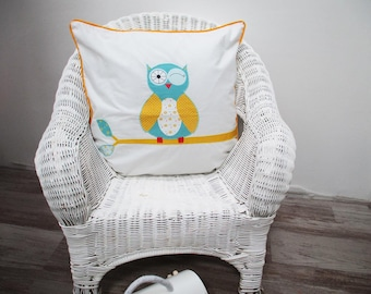 Baby Cushion cover 40 x 40 cm white and blue pattern OWL