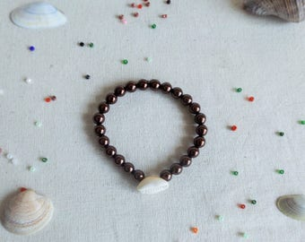 Shell bracelet with Pearl Brown