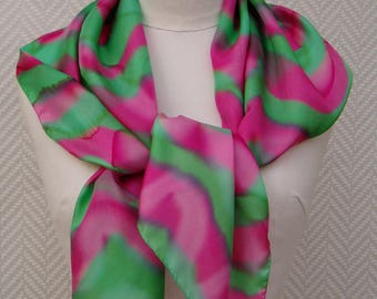 """Scarf shawl scarf in pink and green silk pongee """"Meander"""" design hand painted: unique"""