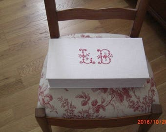 "Box old linen with monograms ""LB"" completely covered with white hand made."