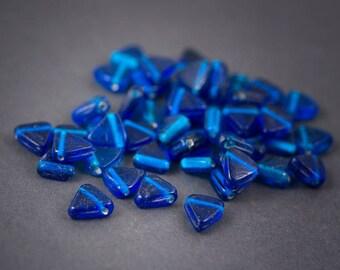 5 pcs - Indian • flat triangle glass beads • blue transparent 12 mm