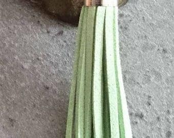 A large tassel suede approx 80mm