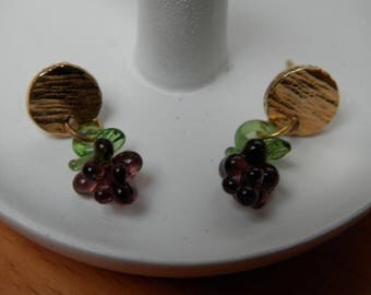 bunches of grapes (studs for pierced ears)