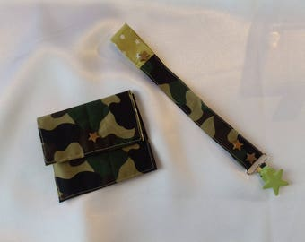 Attache-tétine en tissus avec pression et attache type bretelle - motif camouflage