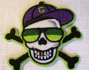 Patch embroidered patch Thermo - head of PIRATE BEZEL Cap * 6 x 7 cm *.