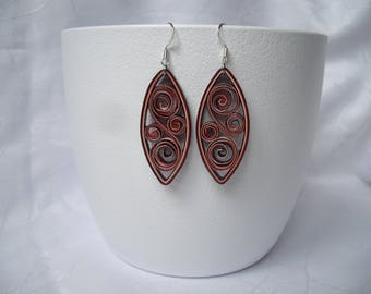 Paper quilling earrings, arabesque