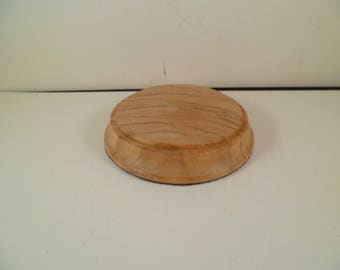 Figurines wooden pedestal type base with round olive srbo2