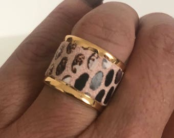 Faux leather pink python nude/Brown on gold band ring