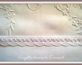 Antoinette pink and white lace
